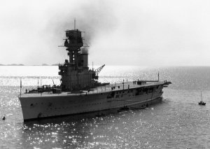 1024px-HMS_Hermes_(95)_off_Yantai_China_c1931.jpeg